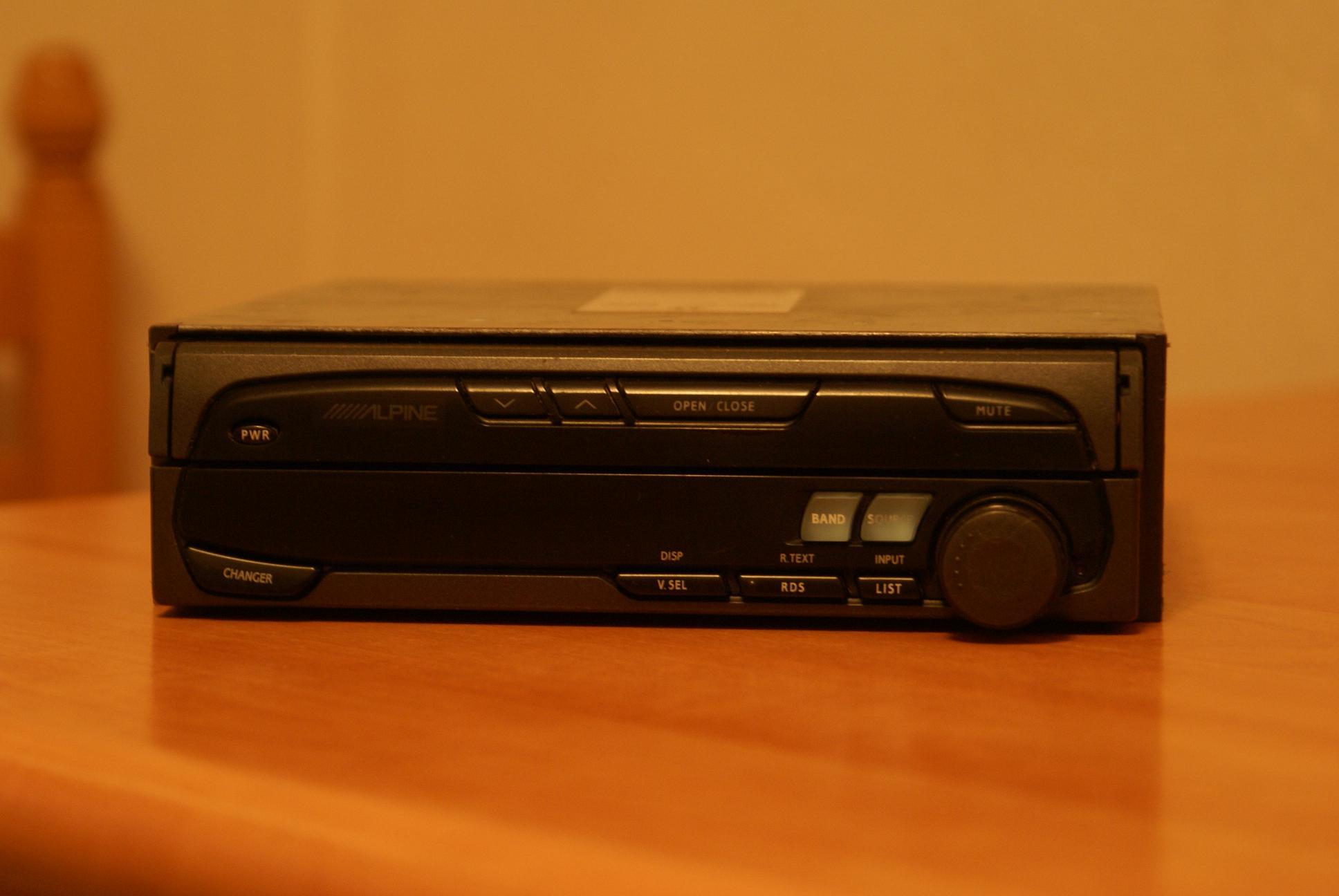 Автомобильный монитор Alpine CVA-1005R - 001