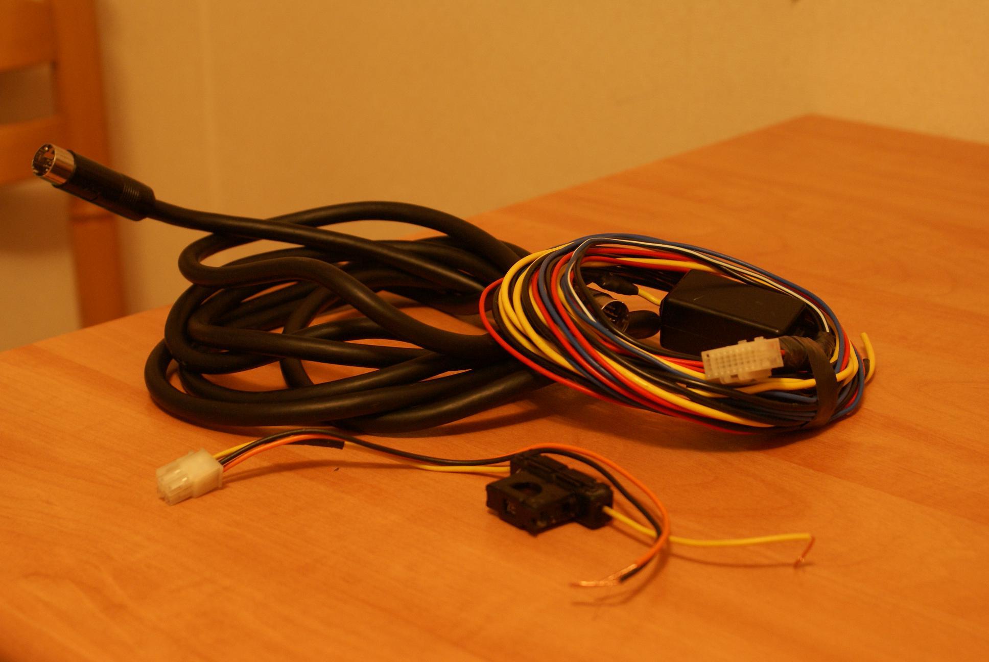 Автомобильный монитор Alpine CVA-1005R - 003