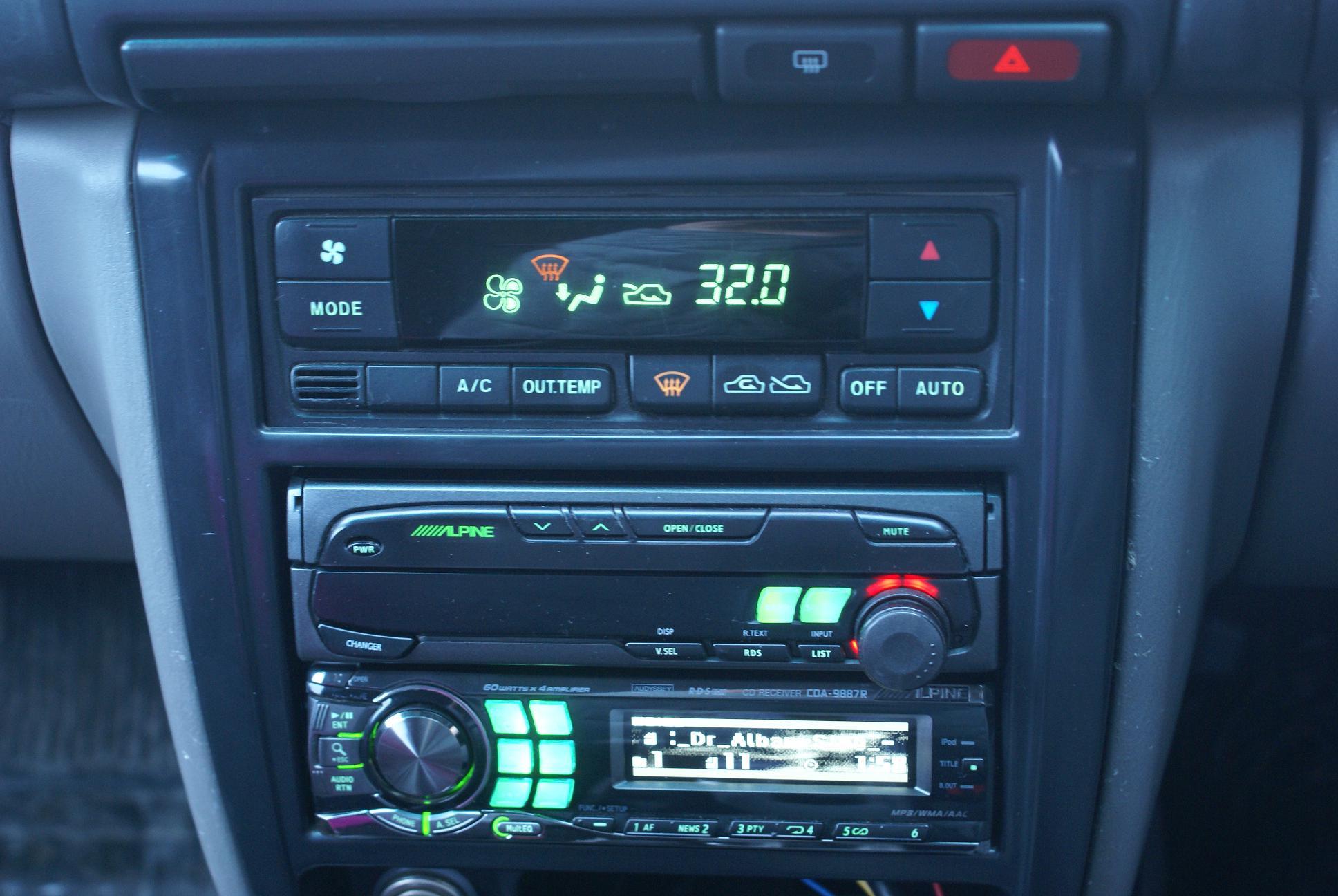 Автомобильный монитор Alpine CVA-1005R - 005