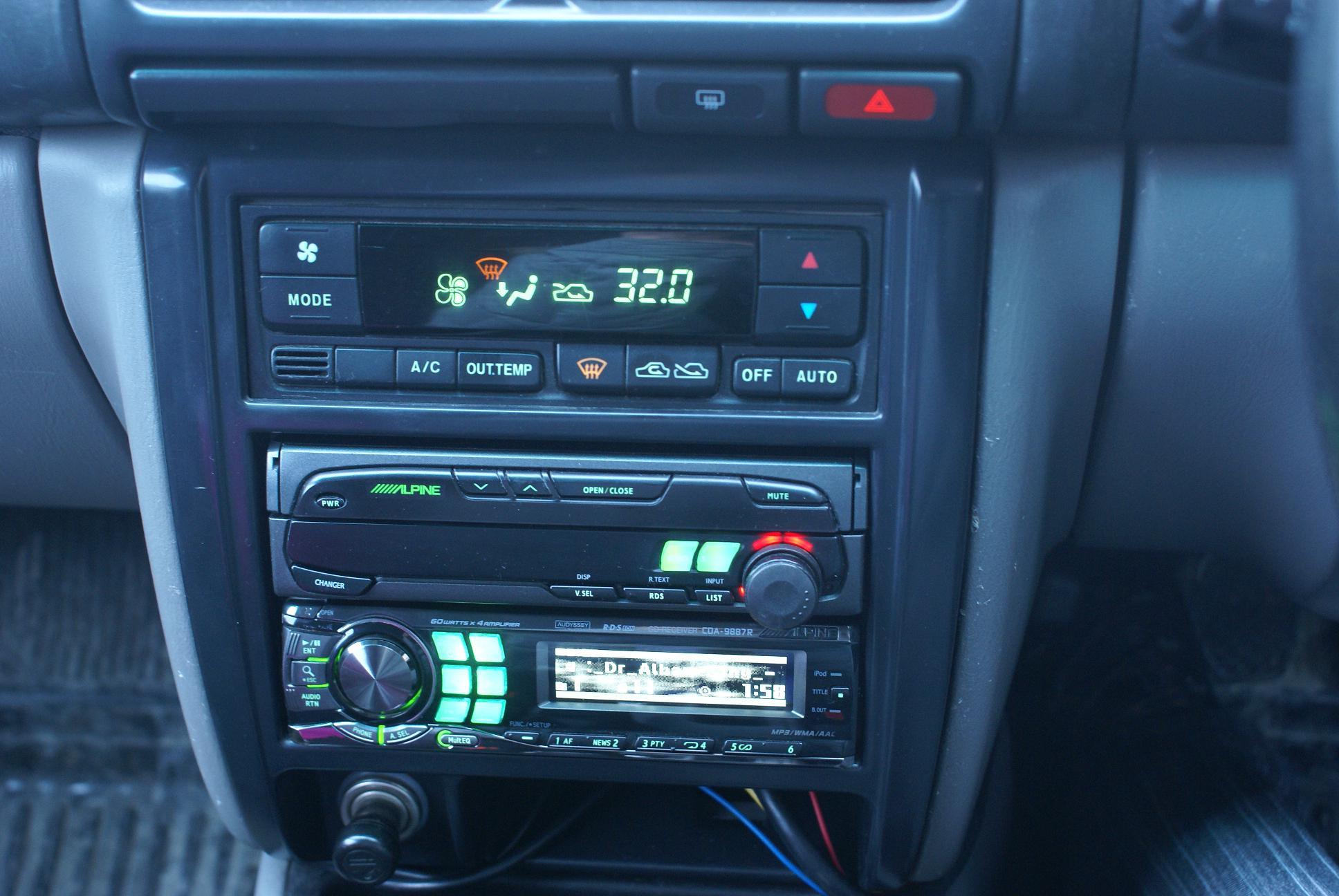 Автомобильный монитор Alpine CVA-1005R - 006
