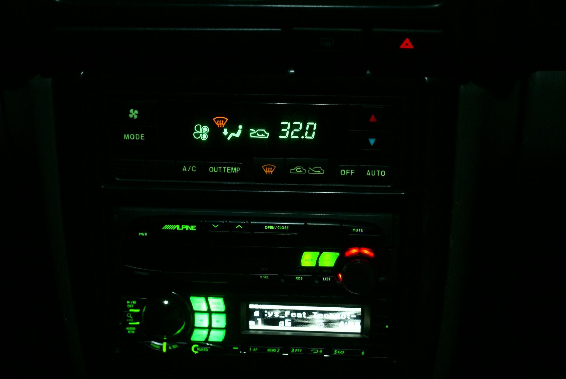 Автомобильный монитор Alpine CVA-1005R - 010