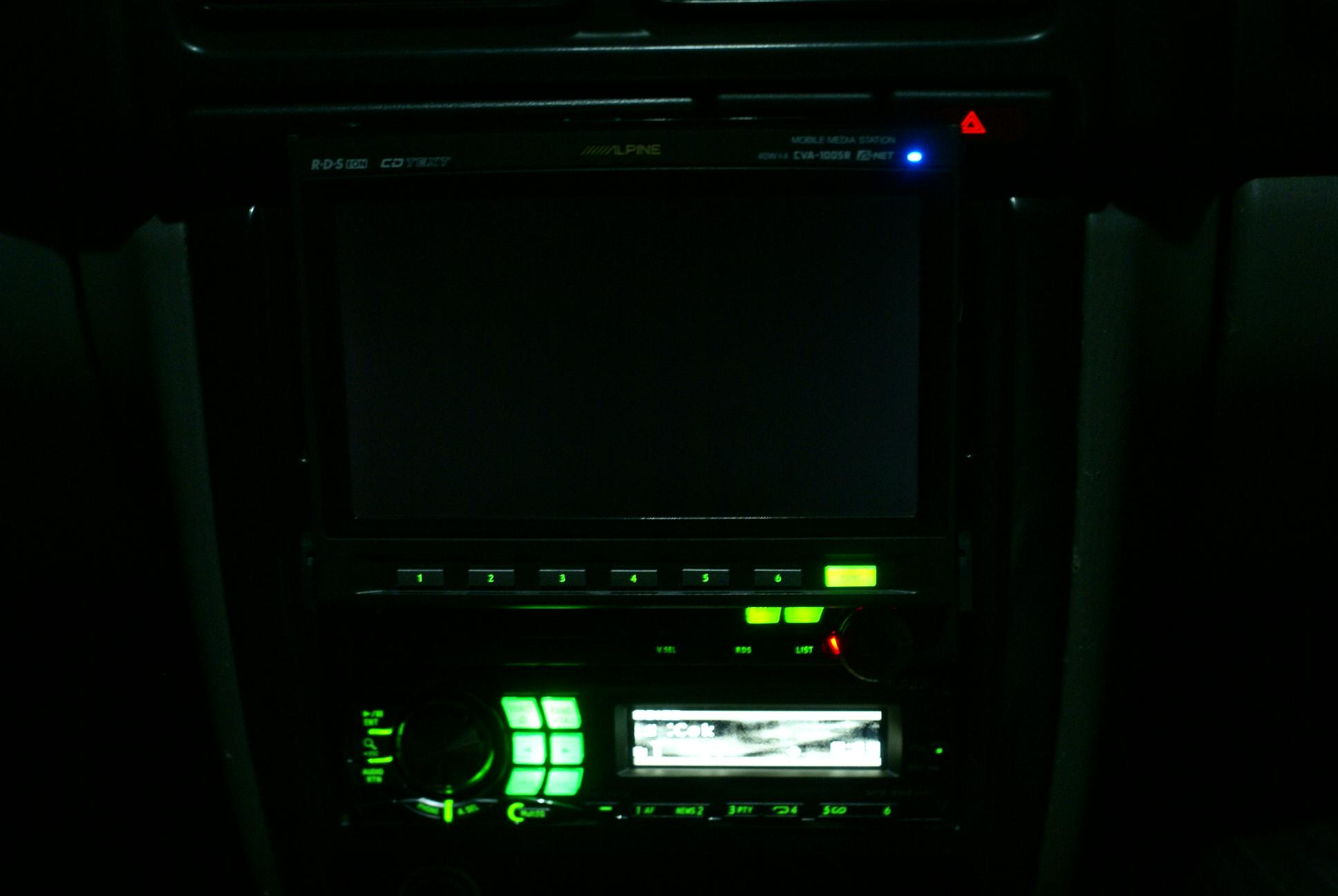 Автомобильный монитор Alpine CVA-1005R - 011