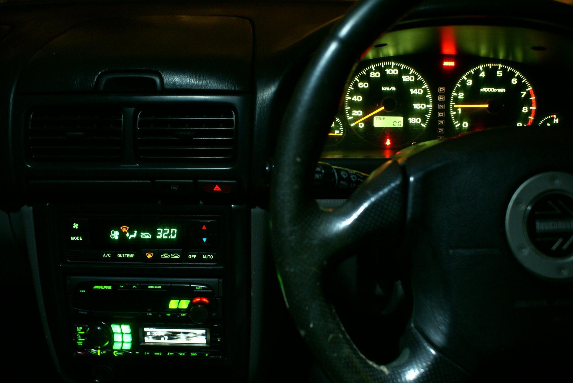 Автомобильный монитор Alpine CVA-1005R - 012