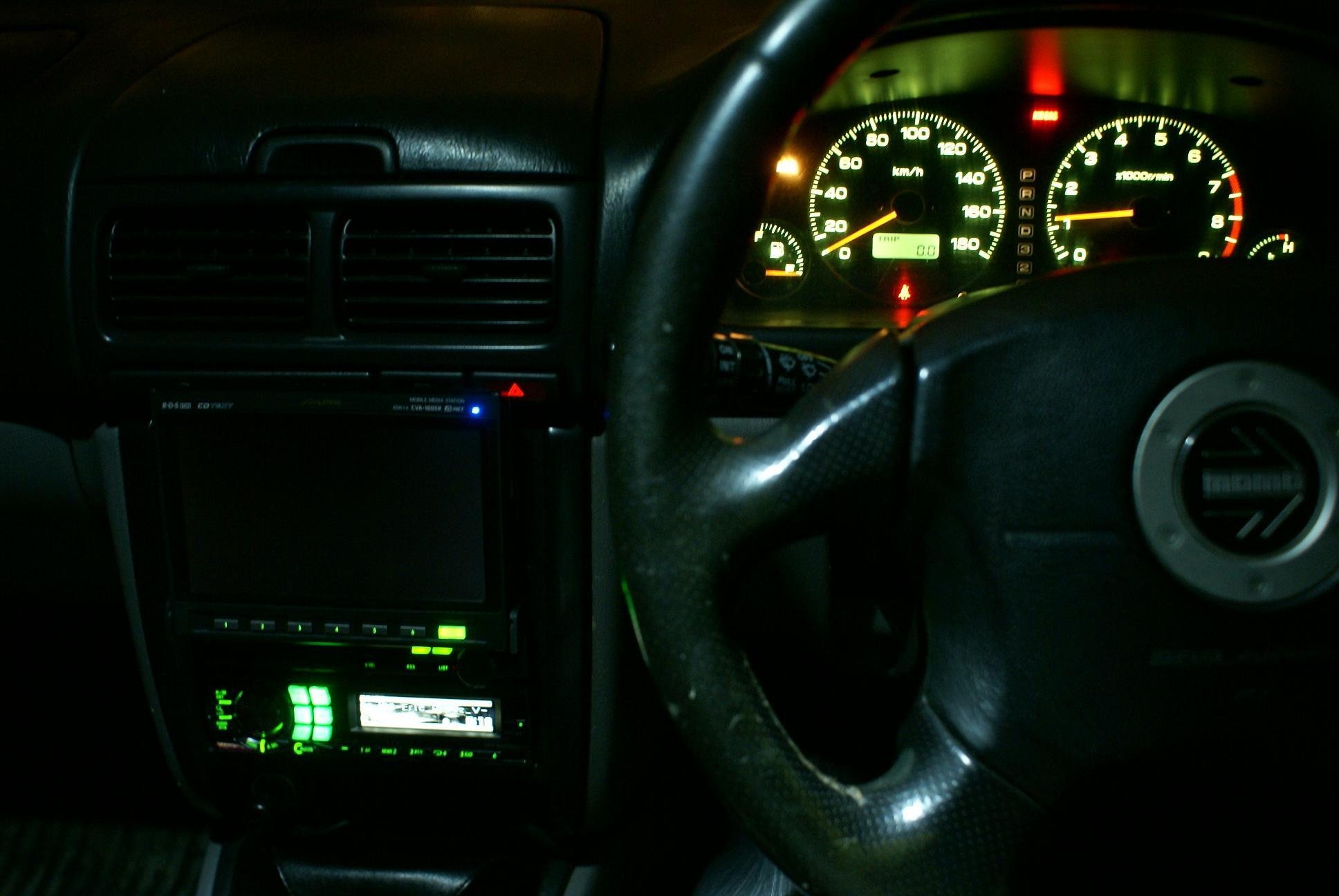Автомобильный монитор Alpine CVA-1005R - 013