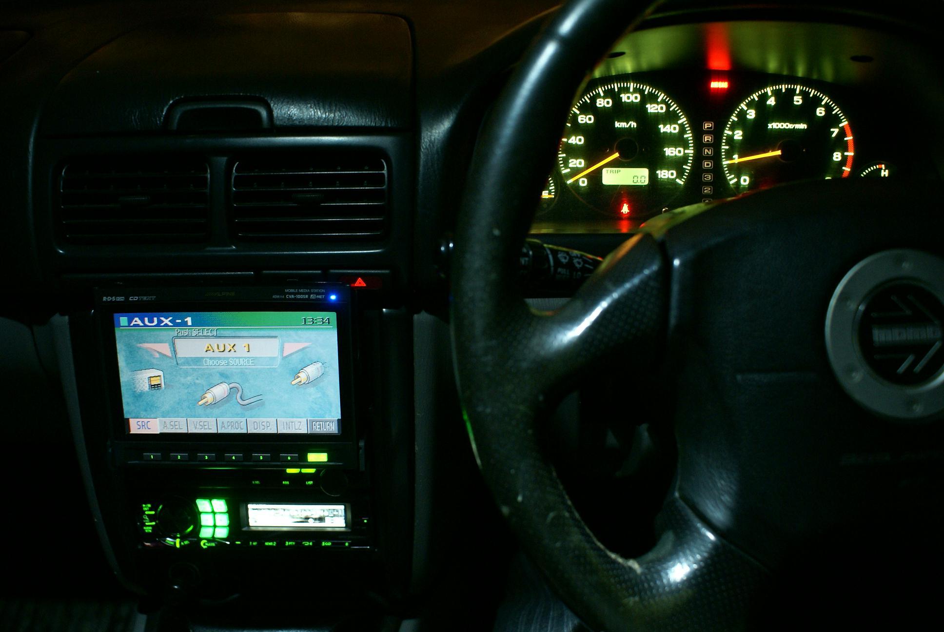 Автомобильный монитор Alpine CVA-1005R - 015
