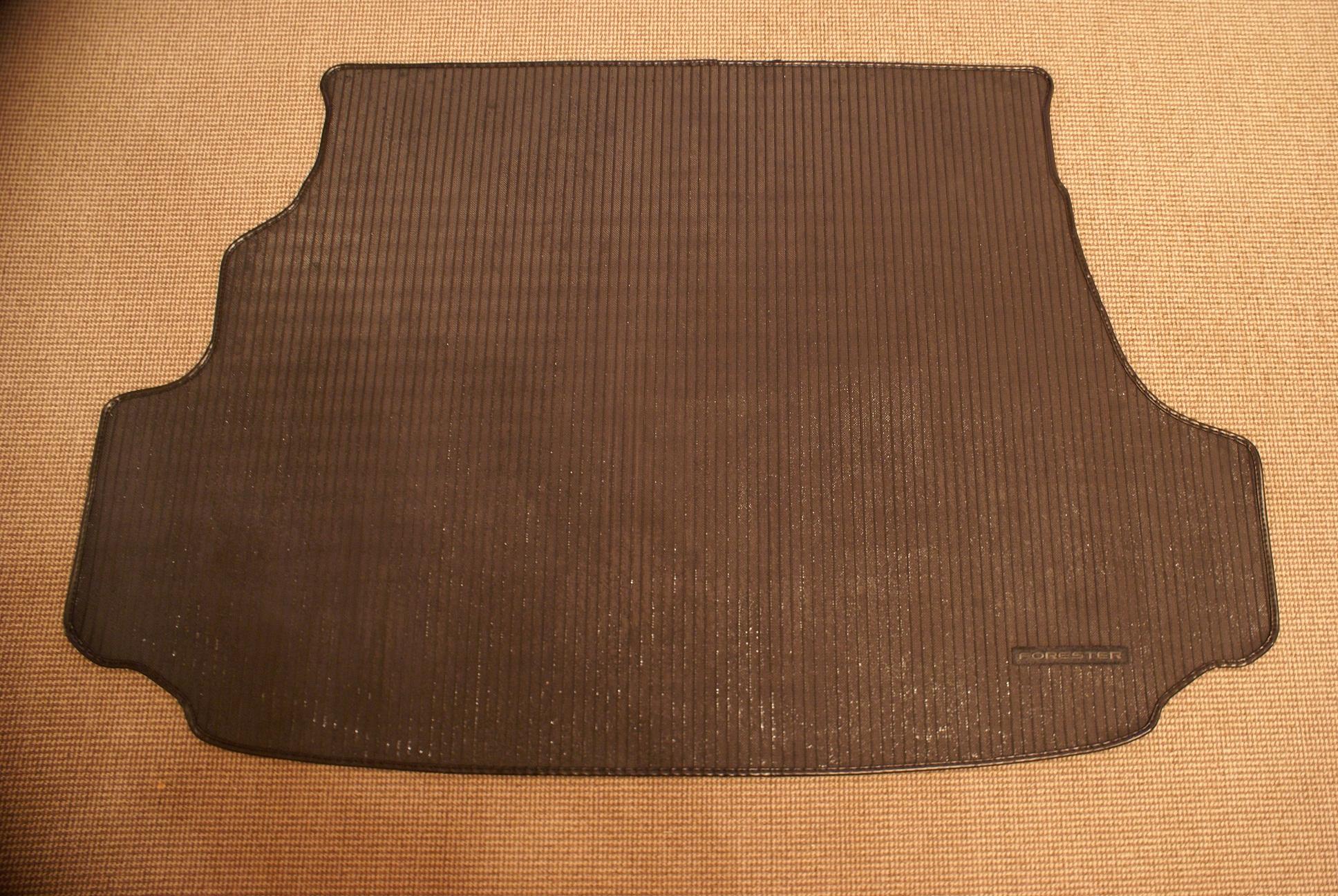 Оригинальный ковёр в багажник Forester SF5 - 001