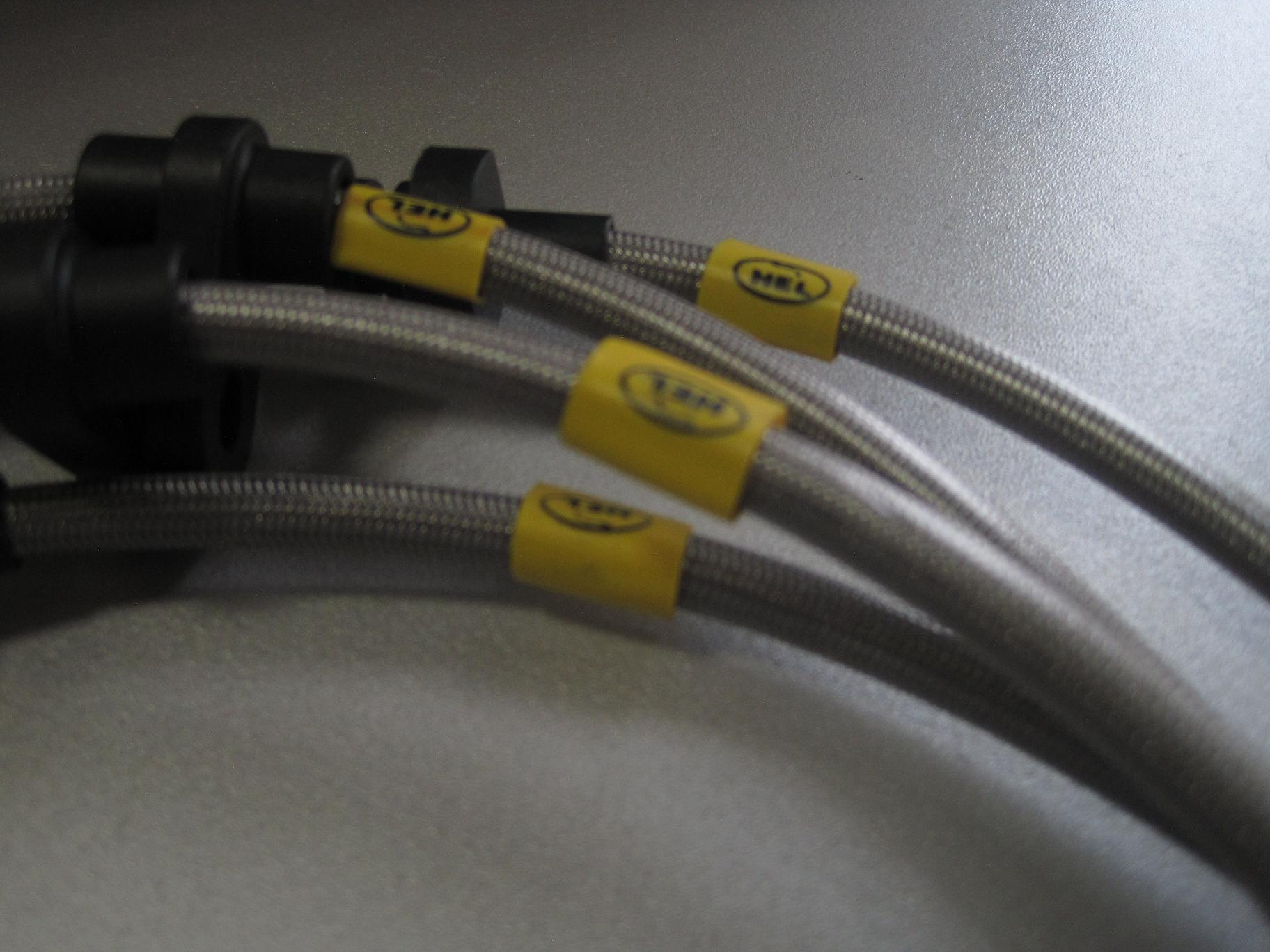 Тормозные армированные шланги HEL - 005